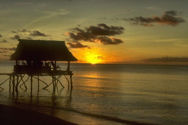 Кирибати 10300