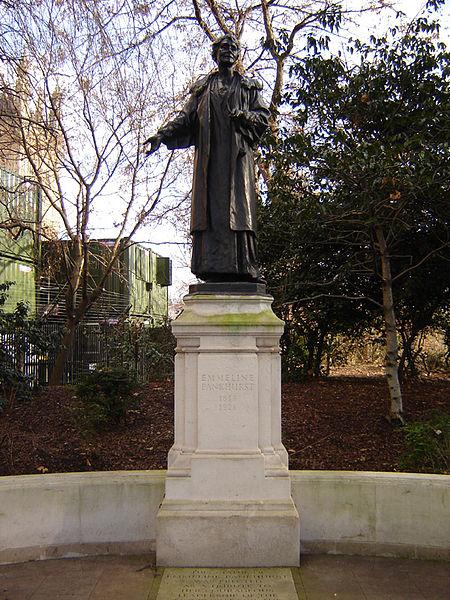 450px-Westminster_emmeline_pankhurst_statue_1