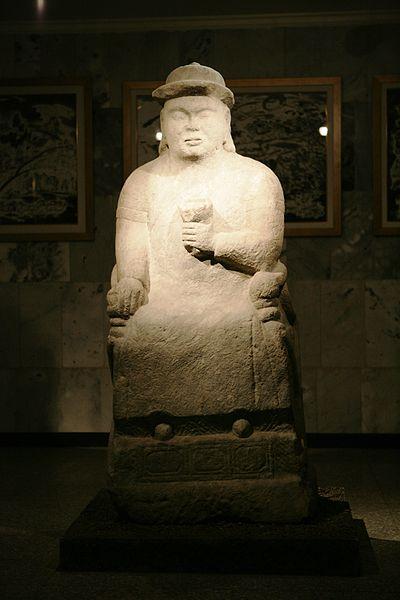 Статуя Чингисхана в Монгольском национальном историческом музее