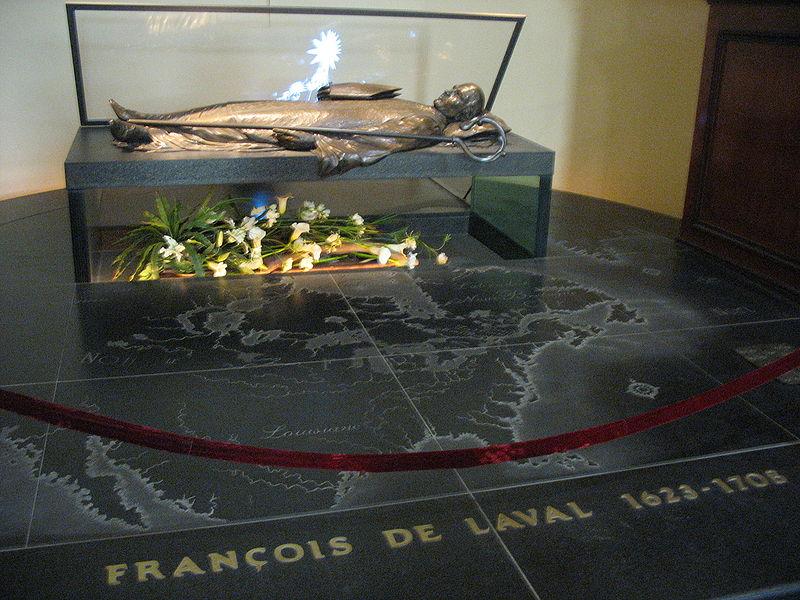 800px-François_de_Laval_tomb
