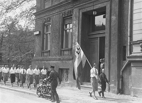 Bucherverbrennung-book-burning-Nazi-1933-Institute