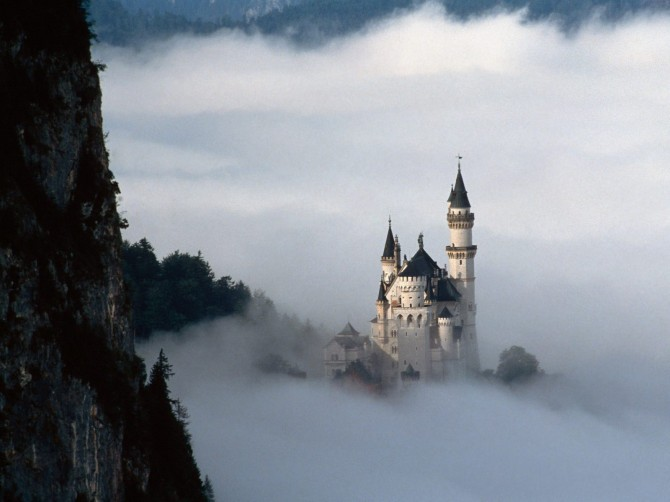 Neuschwanstein_Castle_Germany_03