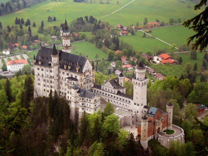 Neuschwanstein_Castle_Germany_08
