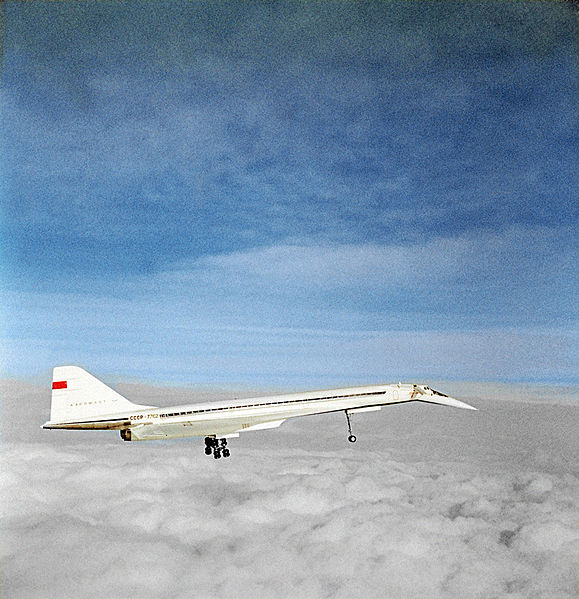 579px-RIAN_archive_368835_A_Tupolev_Tu-144_supersonic_transport_in_mid-air