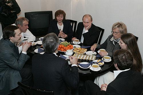 Vladimir_Putin_9_March_2008-2