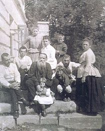 210px-Family_of_L._Tolstoy
