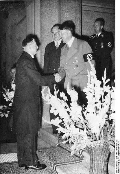 415px-Bundesarchiv_Bild_146-1976-063-32,_Bad_Godesberg,_Münchener_Abkommen,_Vorbereitung