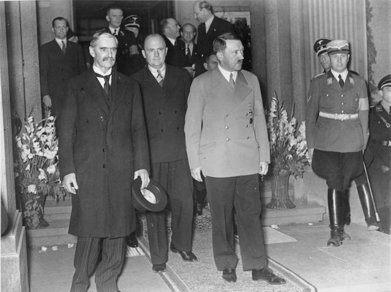 Bundesarchiv_Bild_183-H12751,_Godesberg,_Vorbereitung_Münchener_Abkommen