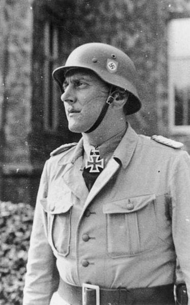 373px-Bundesarchiv_Bild_101III-Alber-183-25,_Otto_Skorzeny