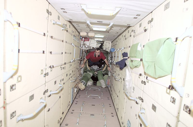 800px-Interior_of_Zarya_ISS_module
