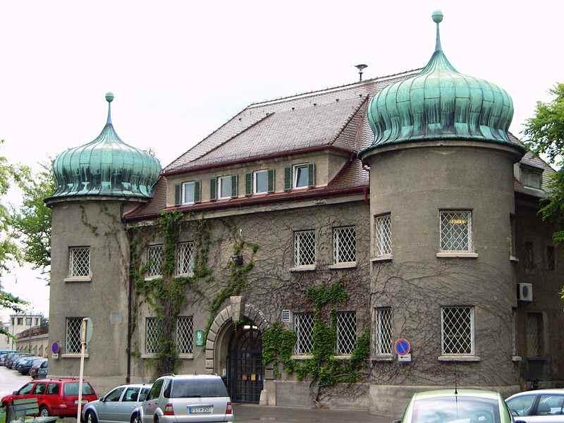 800px-Justizvollzugsanstalt_Landsberg_am_Lech