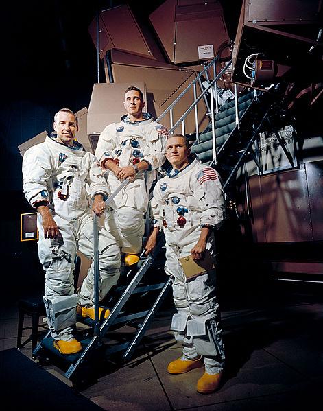 471px-Apollo_8_Crewmembers_-_GPN-2000-001125