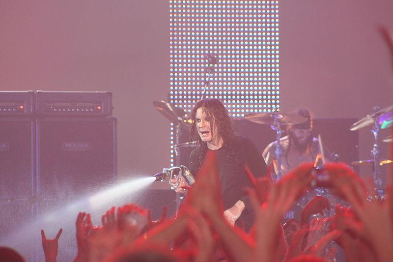 800px-Ozzy_Osbourne_BlizzCon_2009