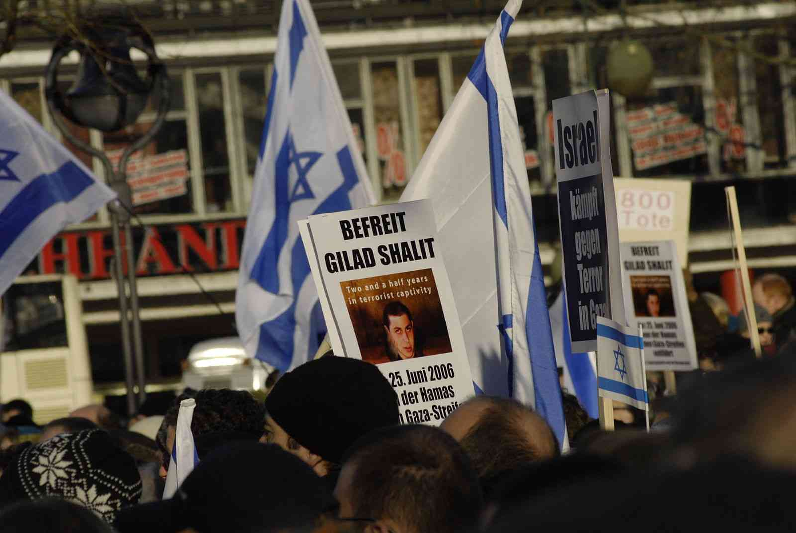 Pro-Israel-Demo_in_Berlin_3