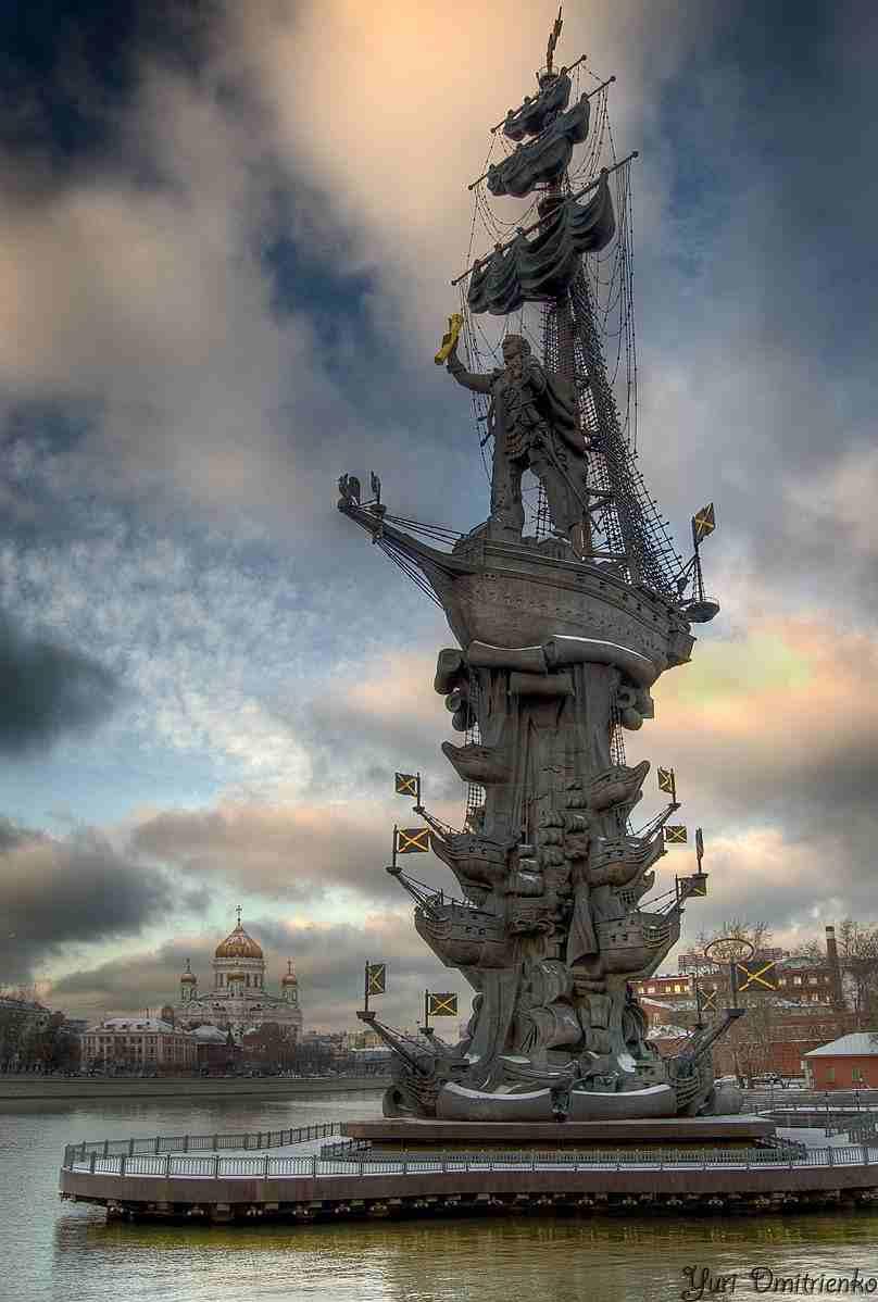 Памятник_Петру_I_(Москва)_ru