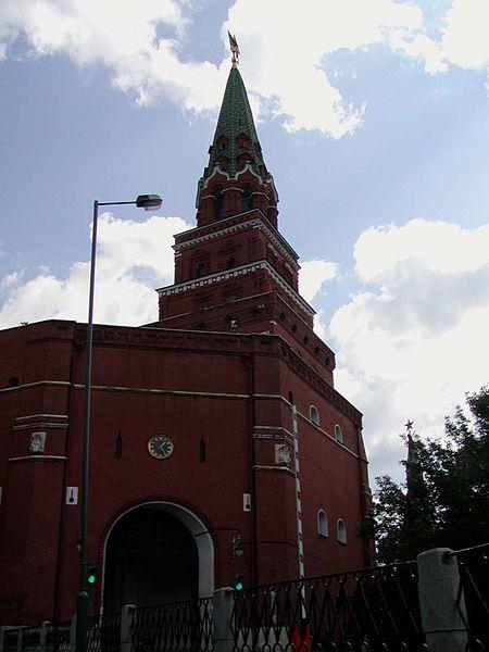 450px-Kremlin_Borovitskaya_Tower