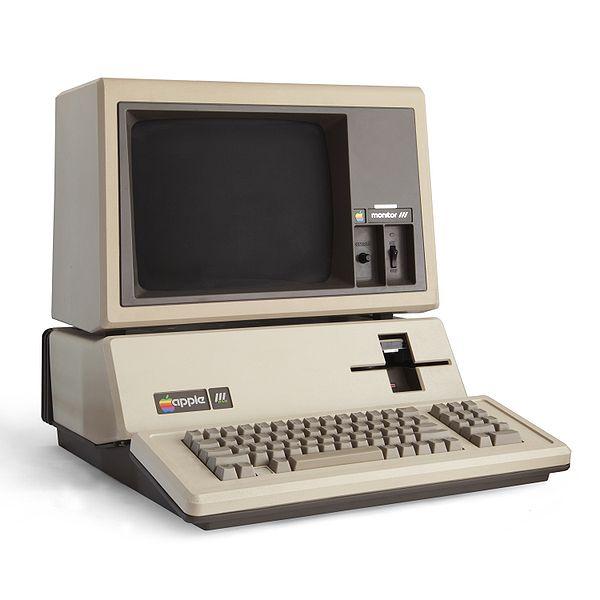 600px-Apple_III+