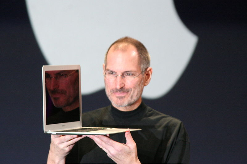 800px-Steve_Jobs_with_MacBook_Air