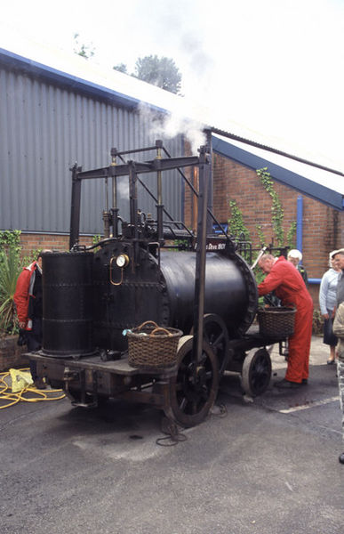 387px-Replica_of_trevithick's_-Puffing_Devil-_-_geograph.org.uk_-_1424283