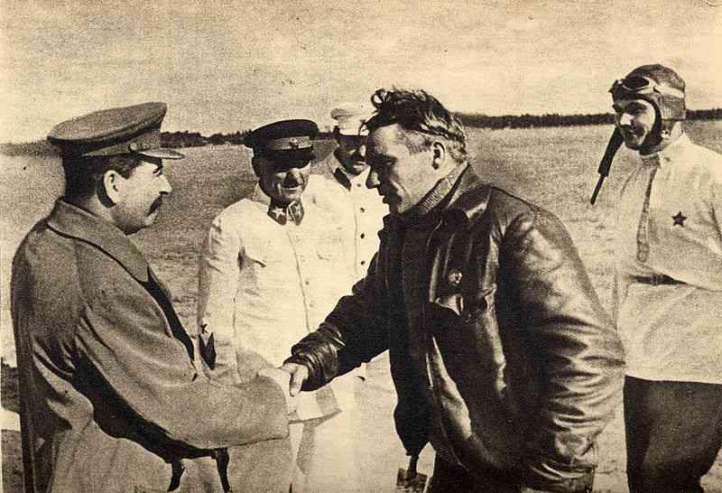 800px-Chkalov,_Stalin_and_Belyakov._August_10,_1936