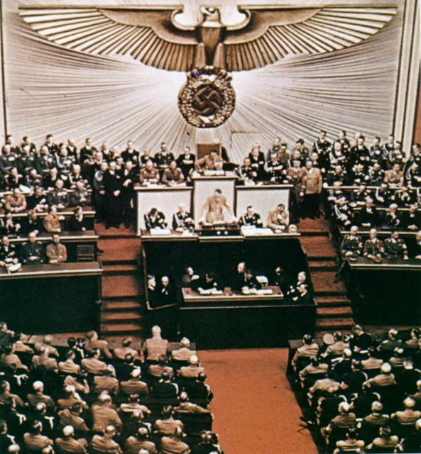 Hitler spricht im Reichstag-color photo-ww2shots-people