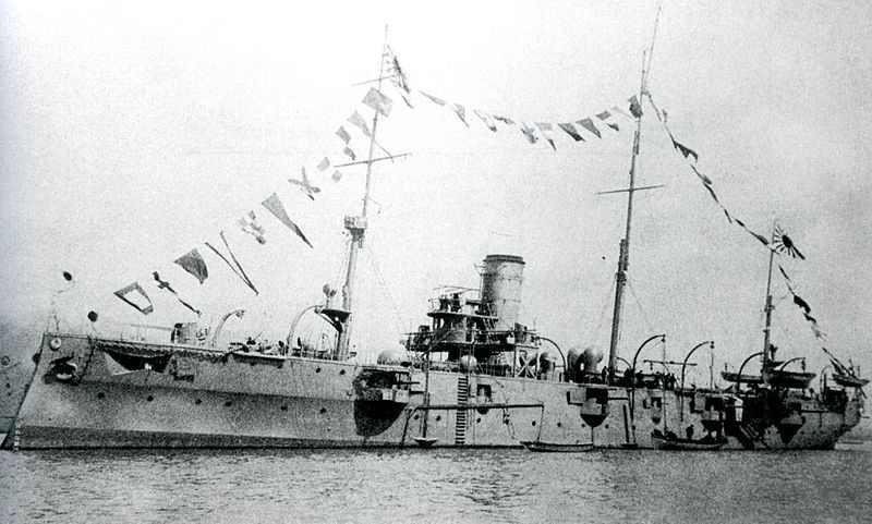 Japanese_cruiser_Chiyoda_2