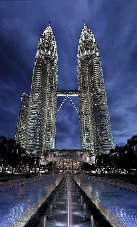 480px-Petronas_Panorama_II