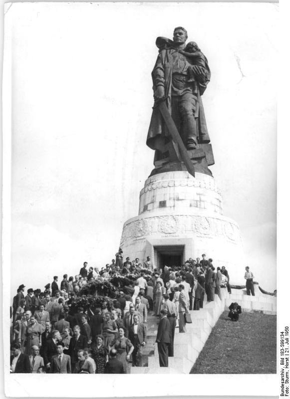 Berlin-Treptow, sowjetisches Ehrenmal